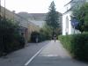 5) Od Prioru (náměstí) kolem Švédské zdi,k lékárně Na Poliklinice a přejezdu ul.Jesenické na ul.Mikulášskou